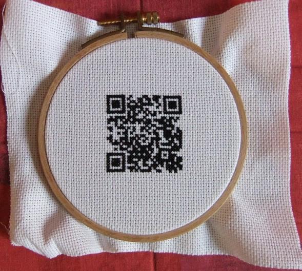 QRコード刺繍