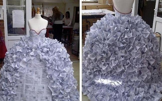 離婚届1500枚で作ったウェディングドレス